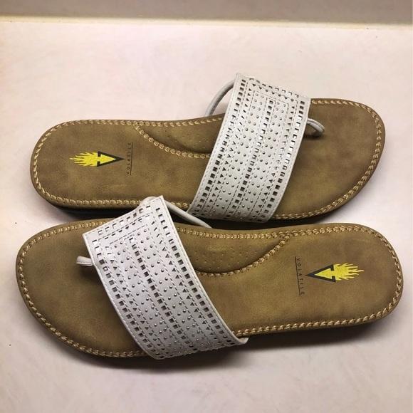 Volatile sandals size 10